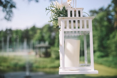 How to handfast a wedding: Where to start, where to sit and where to lay out
